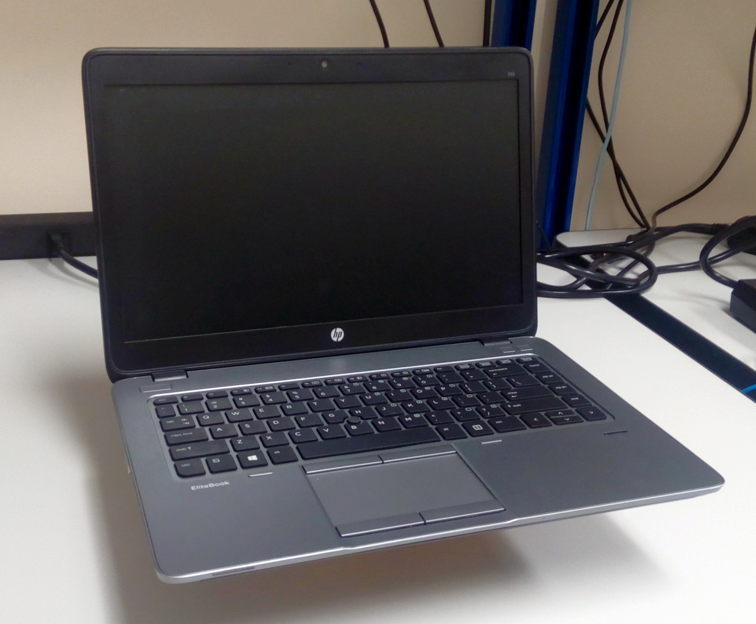 how to turn on hp elitebook