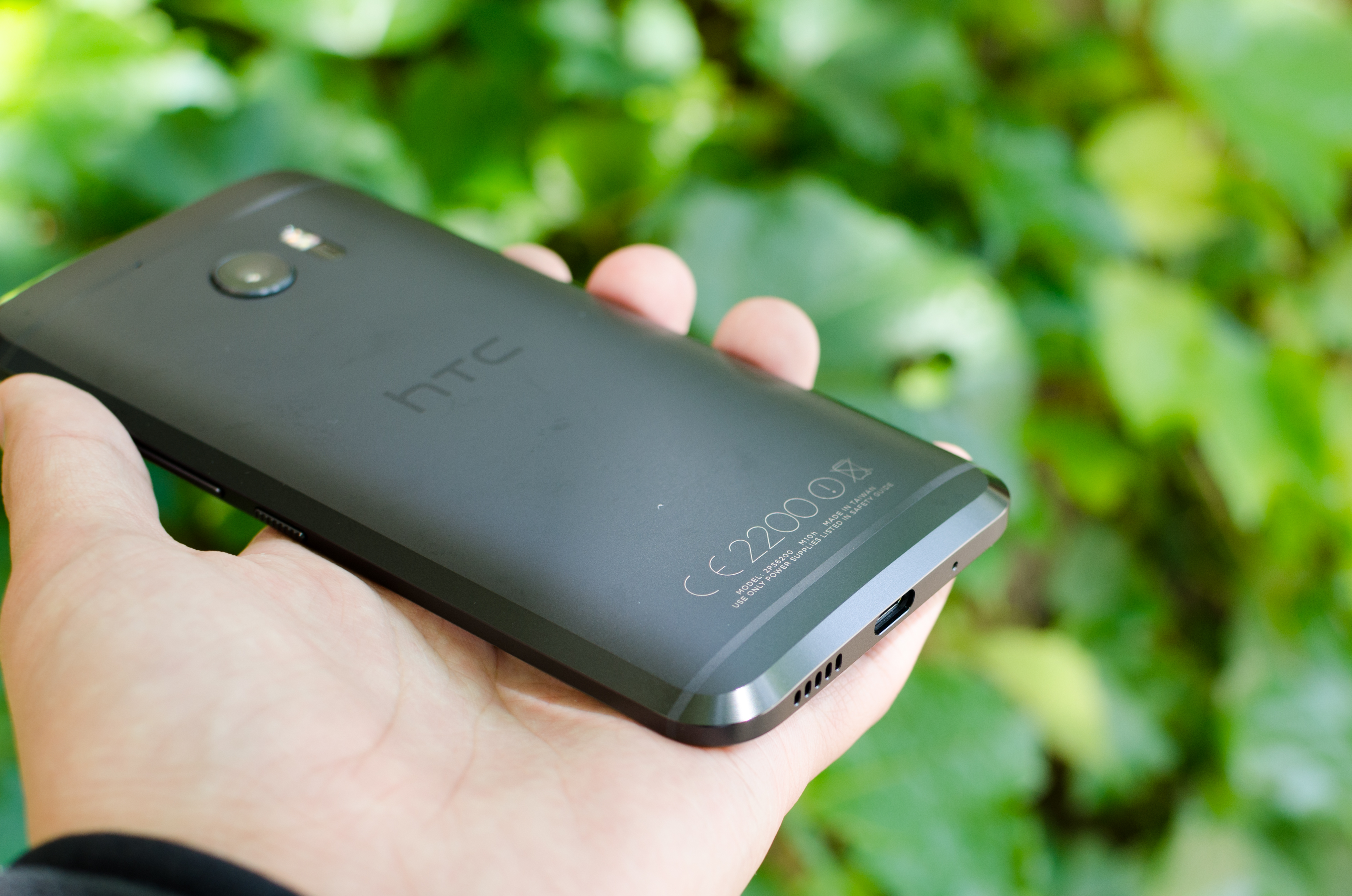 Hands On With The HTC 10: A Fresh Start
