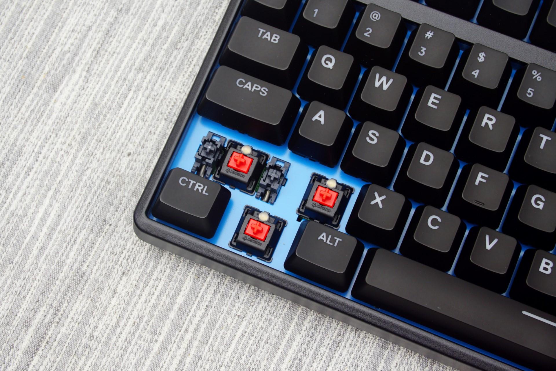 Phiên bản Red Switch của Apex M500 (Ảnh: AnandTech)