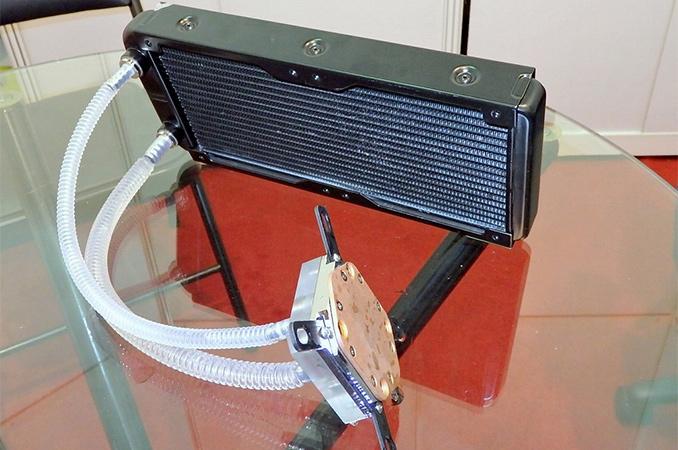 Tractor Liquid Cooling System : Raijintek shows off pumpless liquid cooling system
