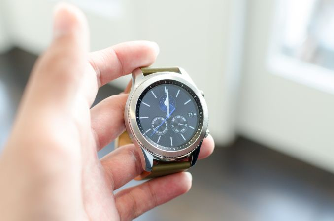 Hands On With the Samsung Gear S3