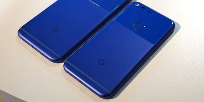 Hands On With the New Google Pixel Phones