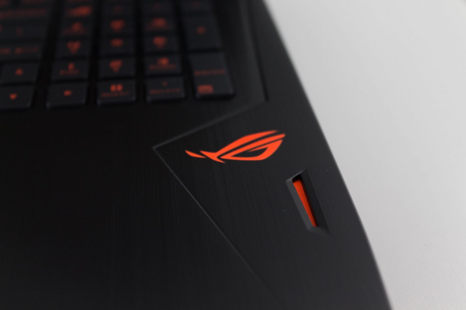 Wireless, Audio, Thermals, and Software - The ASUS ROG Strix GL502VS