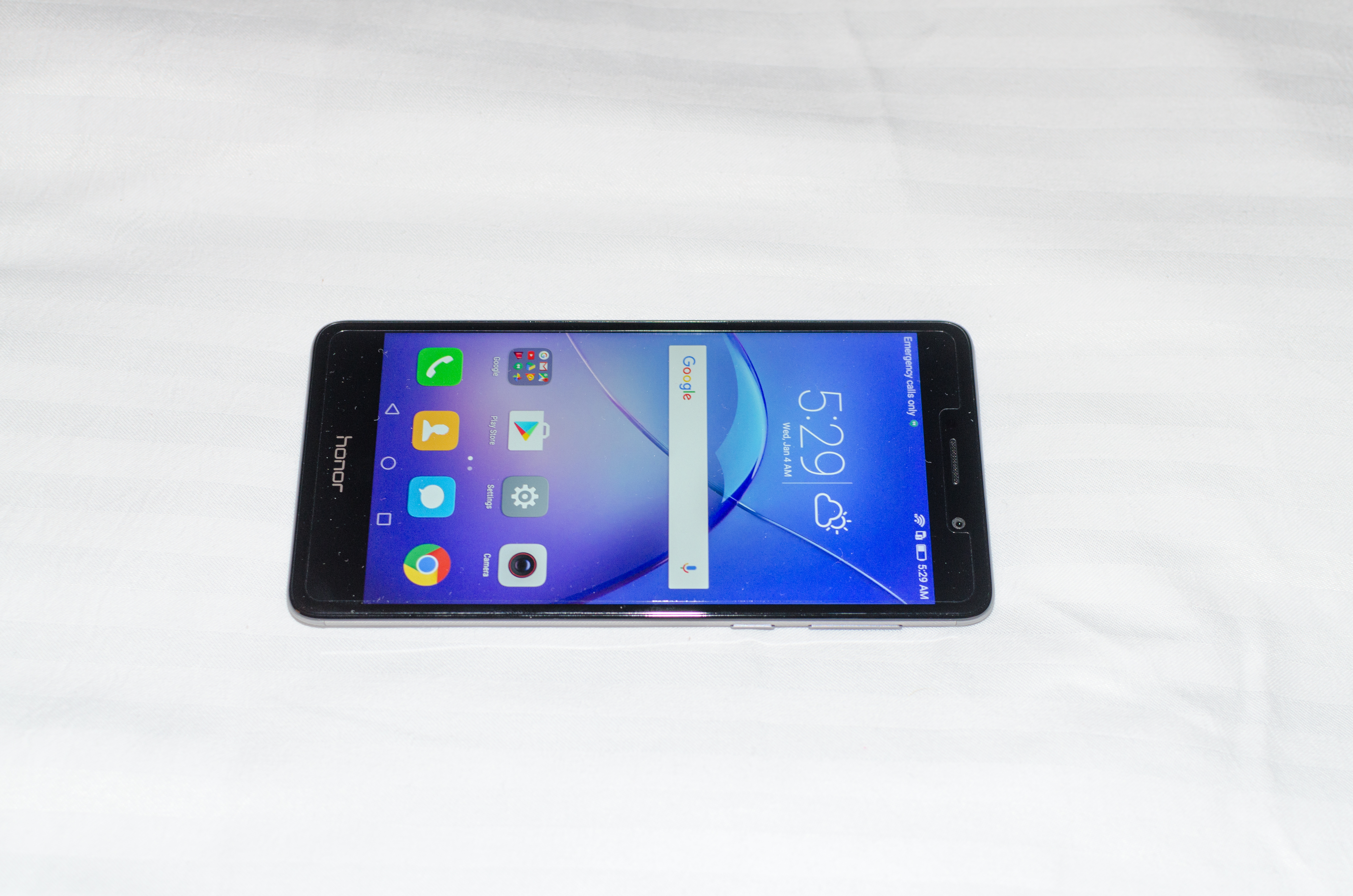 Hands On With the Huawei Honor 6X