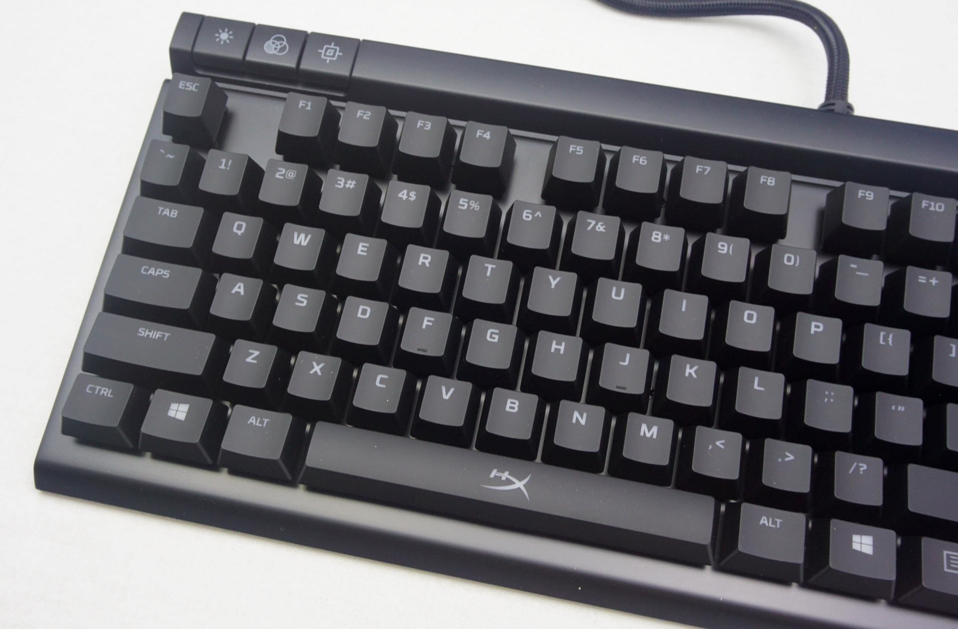 bcb6765844d Rather, it is a straightforward mechanical keyboard with some additional  media keys and a nifty backlighting system.