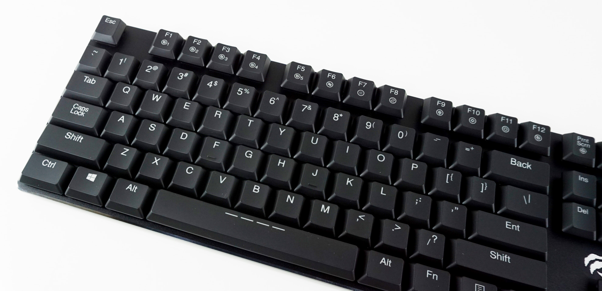 5fd4bc243a7 The HAVIT KB395L has two rear legs that with a single fixed setting. The  tilt is reasonable and the grip of the rubber anti-slip pads is very good,  ...