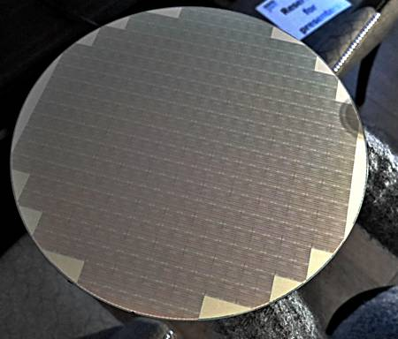 micron_qlc_chip_wafer_a_575px.jpg