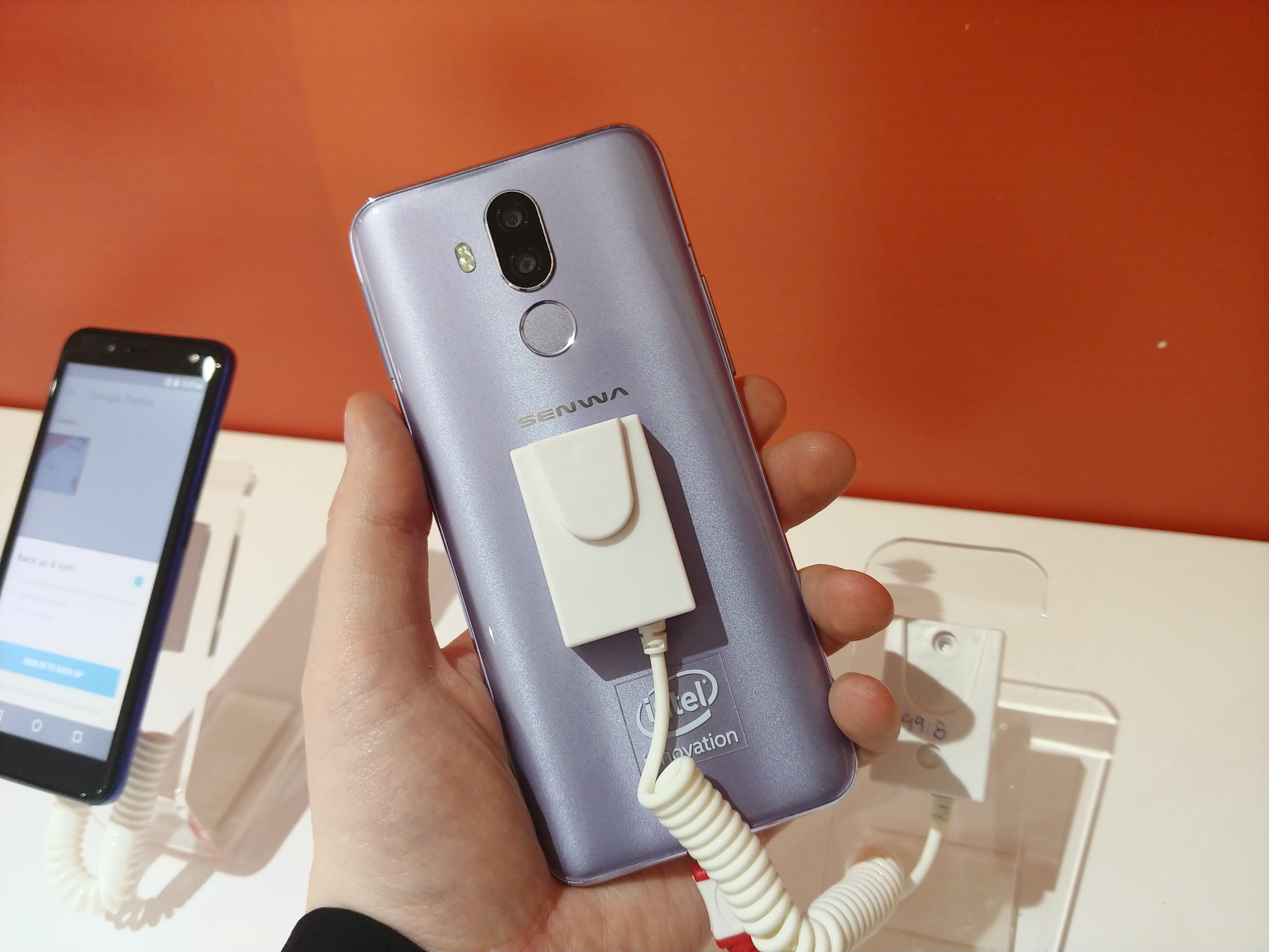 Intel's Last Atom in Smartphones: A 2018 Benchmark