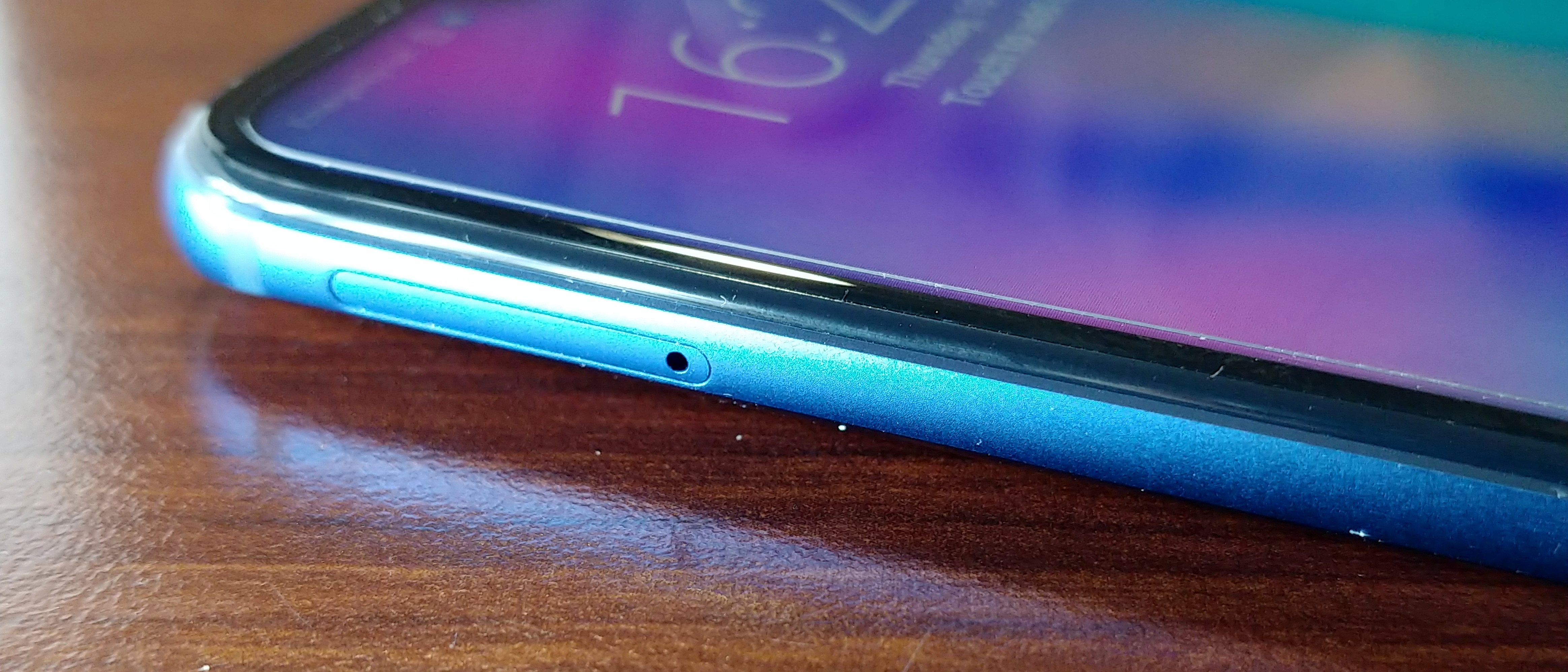 Honor 10 Launch and Hands On: Kirin 970, More AI, More Notch