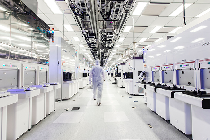GlobalFoundries Stops All 7nm Development: Opts To Focus