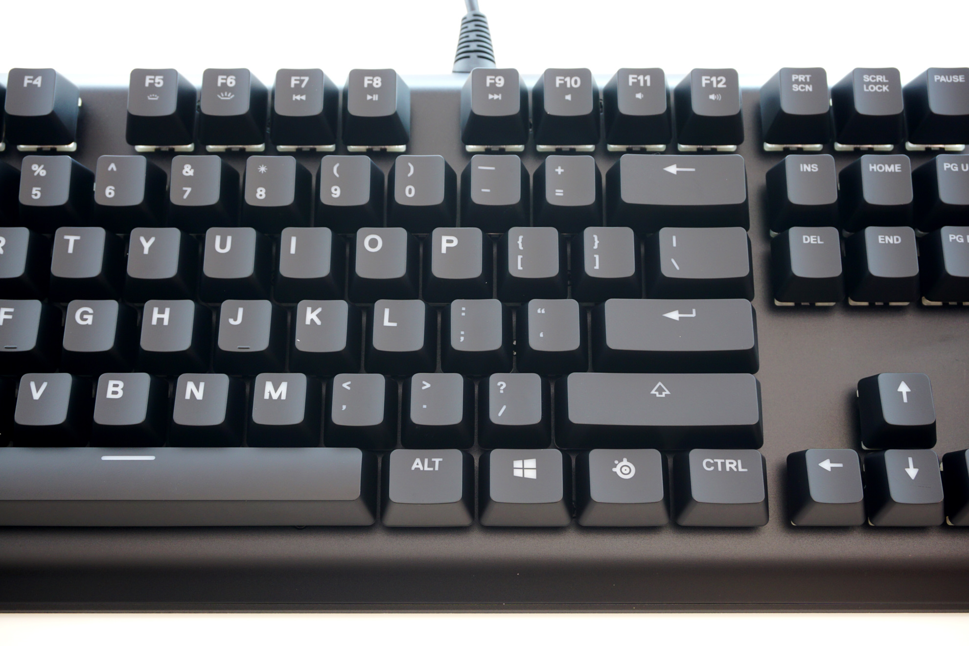 The SteelSeries Apex M750 Mechanical Keyboard - The