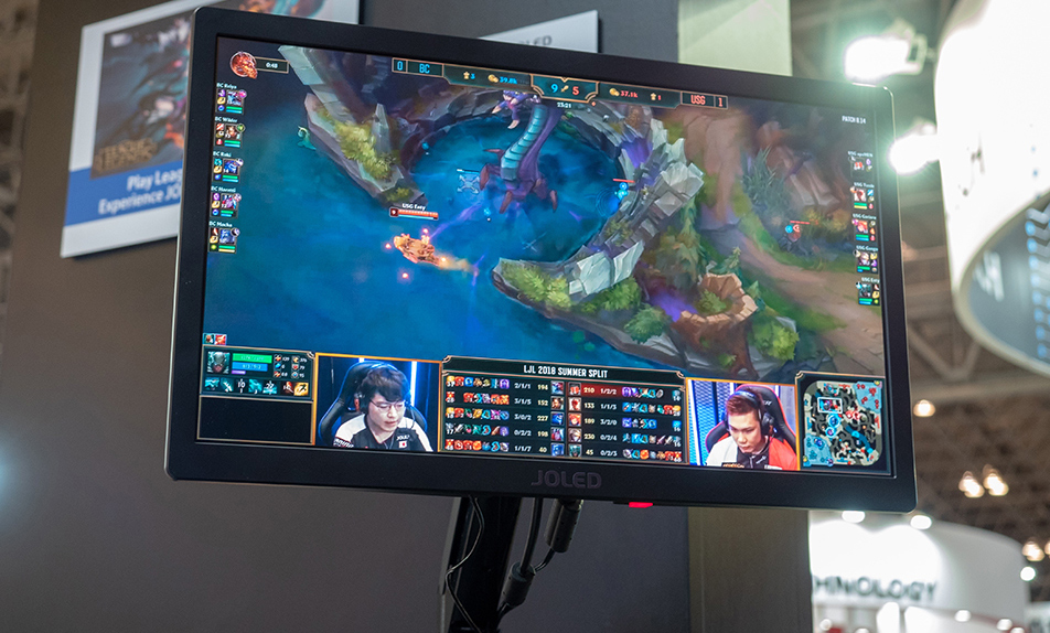 JOLED Demos 21 6-Inch OLED Monitor for Gamers