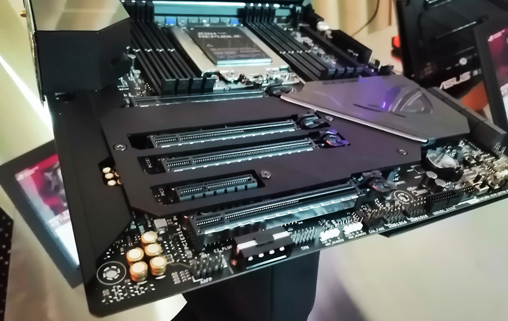 CES 2019: ASUS ROG Zenith Extreme Alpha X399 Motherboard