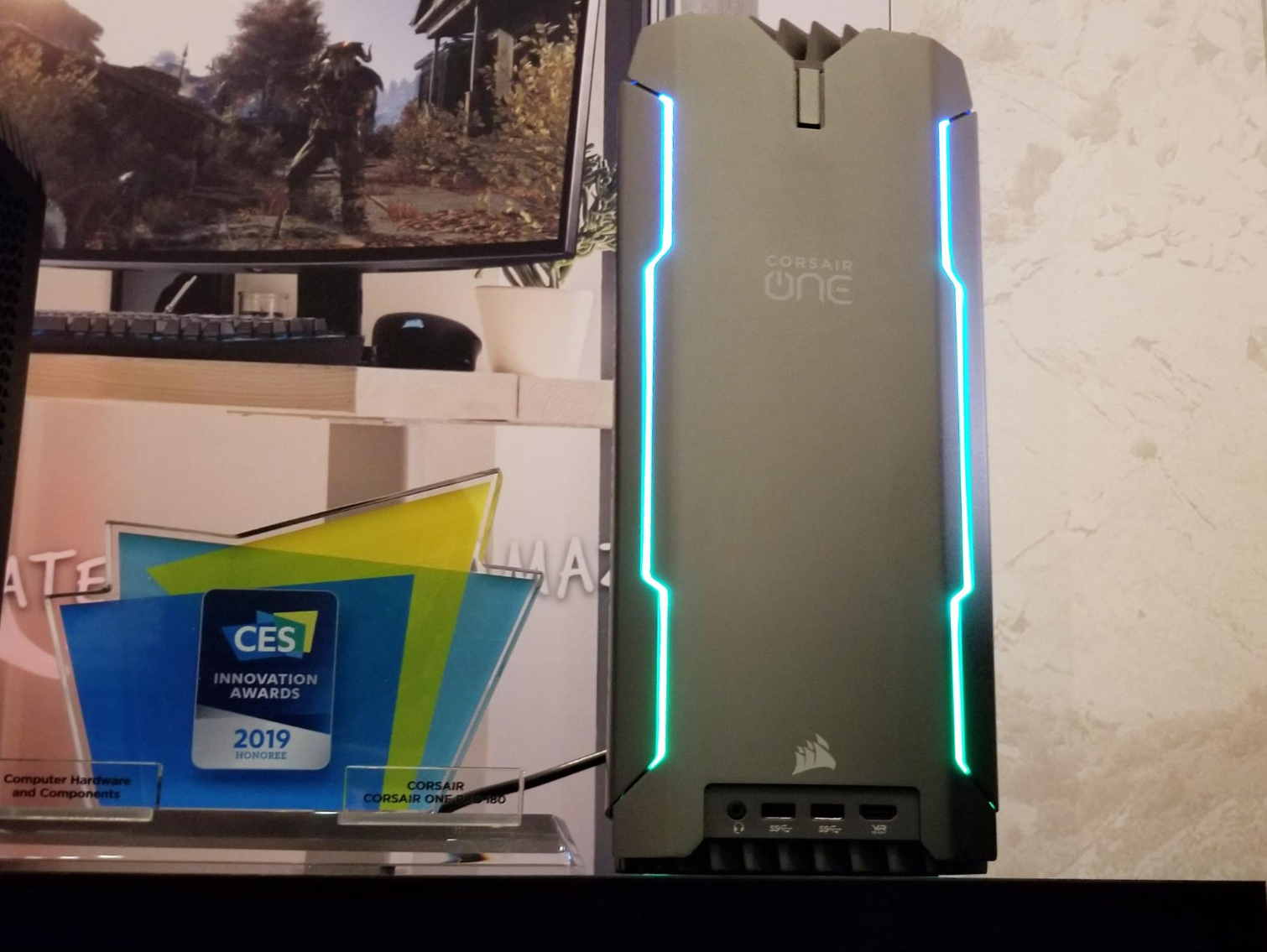 Corsair One Pro i180: New Flagship Mini-PC with i9-9920X and