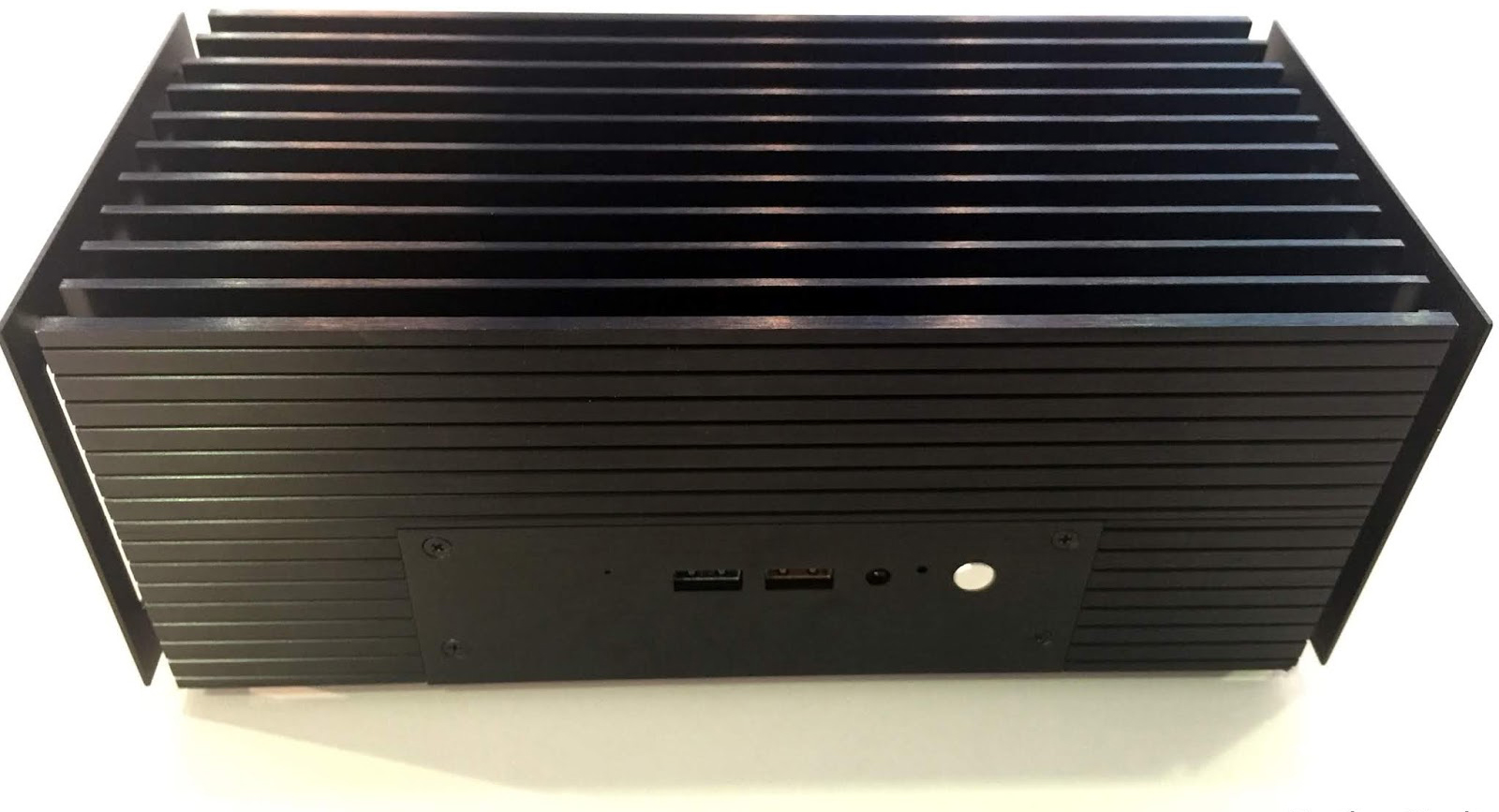 Akasa's Turing: A Passively-Cooled Chassis for Intel's Bean Canyon NUC