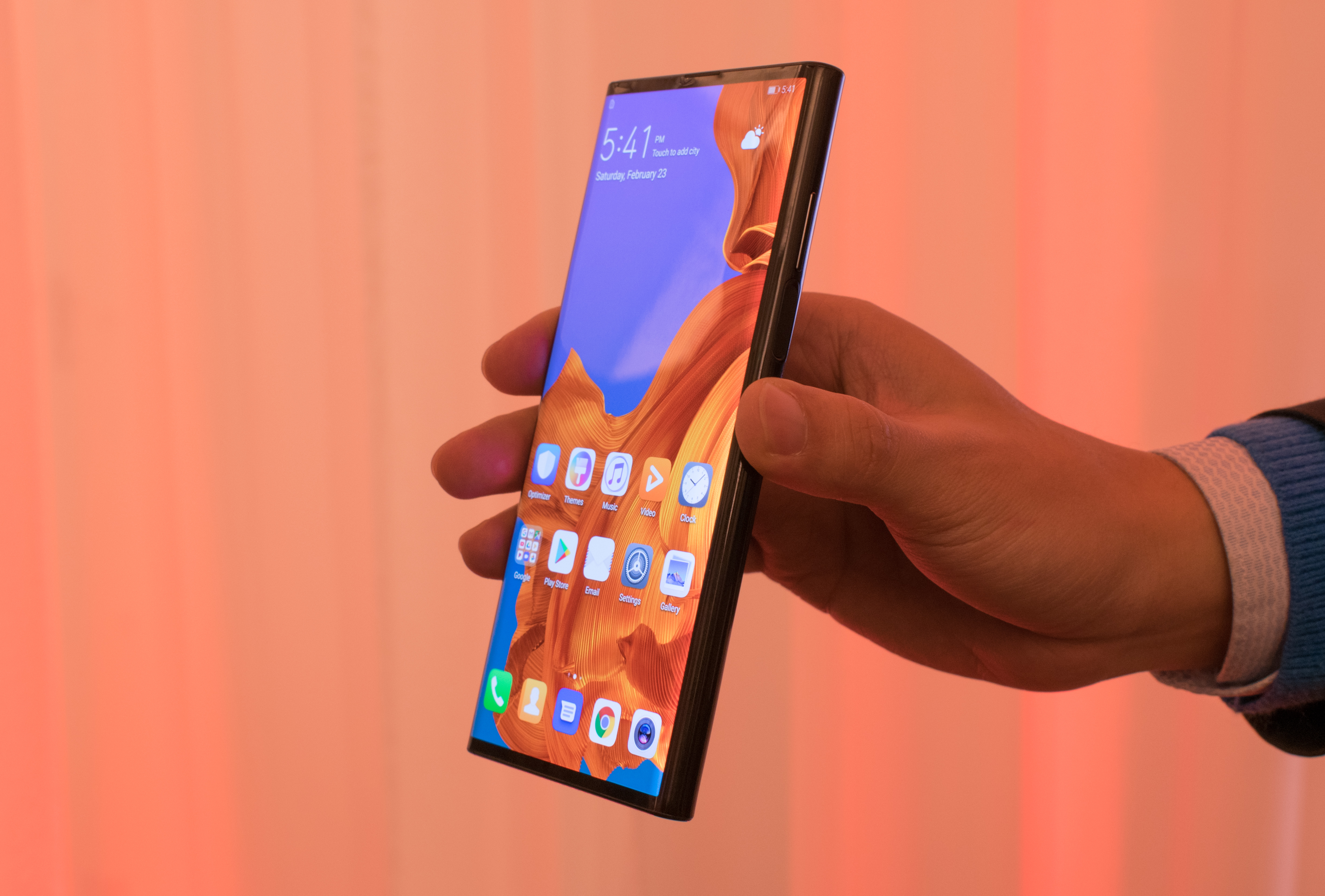 Huawei Mate X priced at €2,299 hands-on review