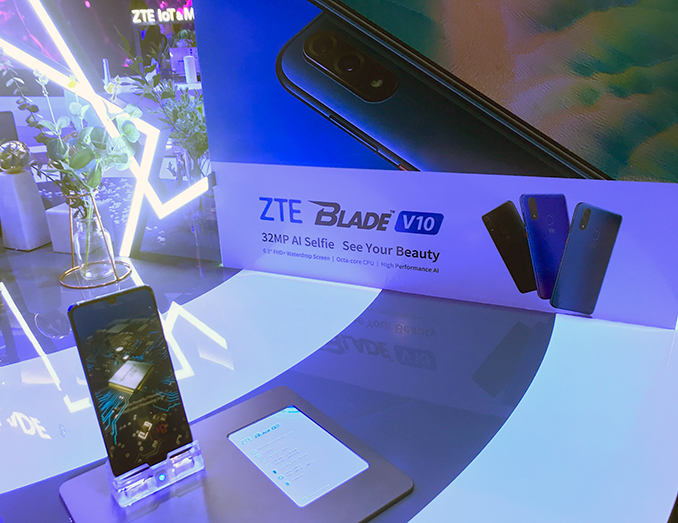 A 32 MP Selfie Camera on ZTE's Blade V10: Because You Love Yourself