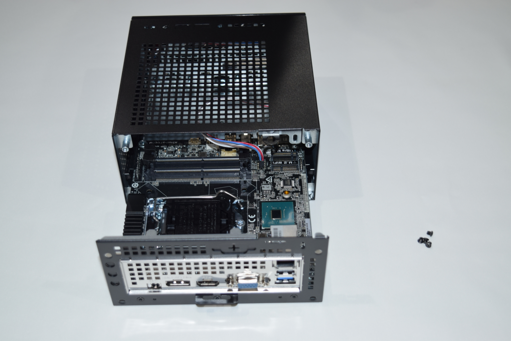 The ASRock DeskMini 310 Mini-PC Review: A Cost-Effective Mini-STX