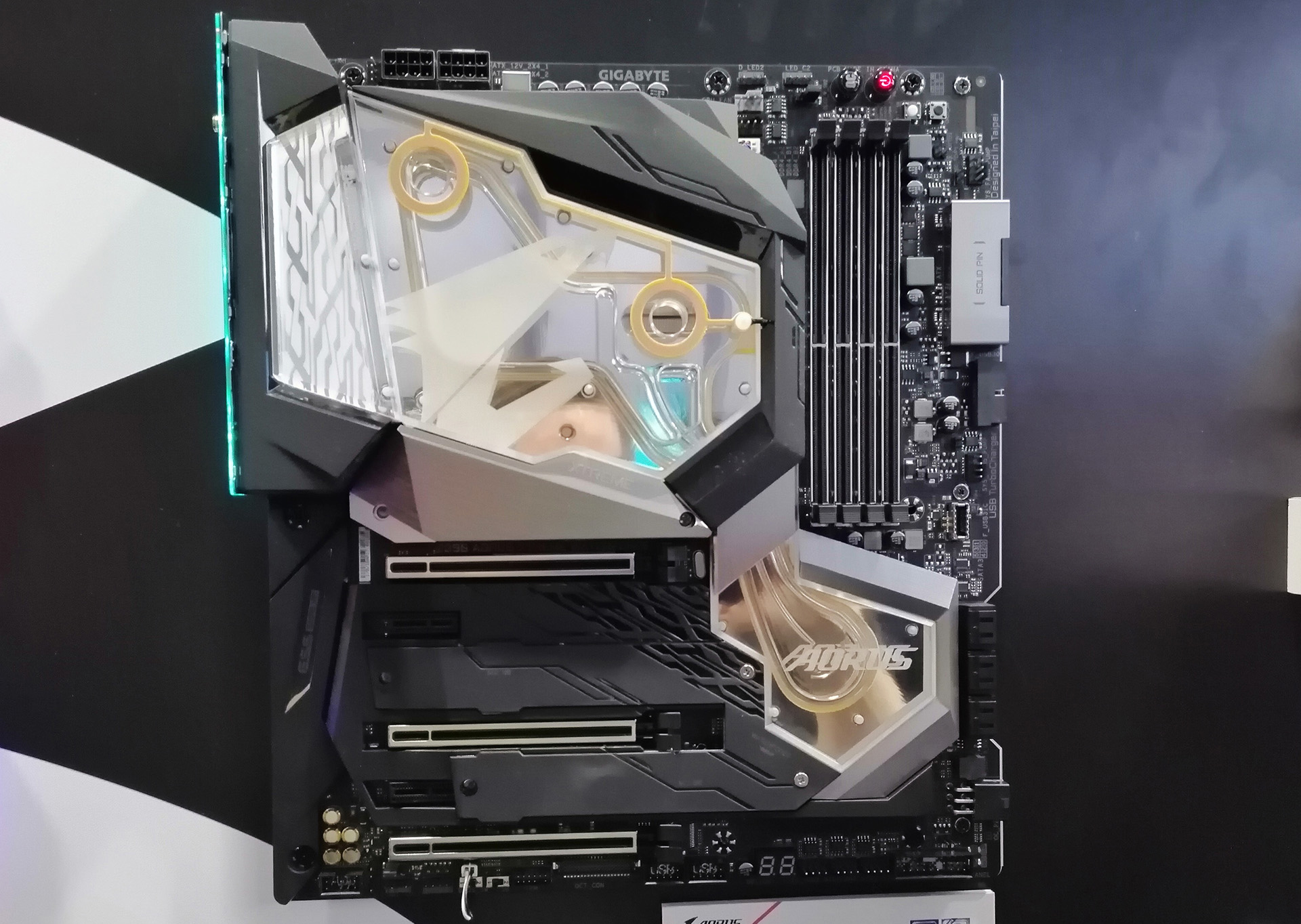 GIGABYTE to Bundle Pre-Tested Core i9-9900K CPU at 5 1 GHz