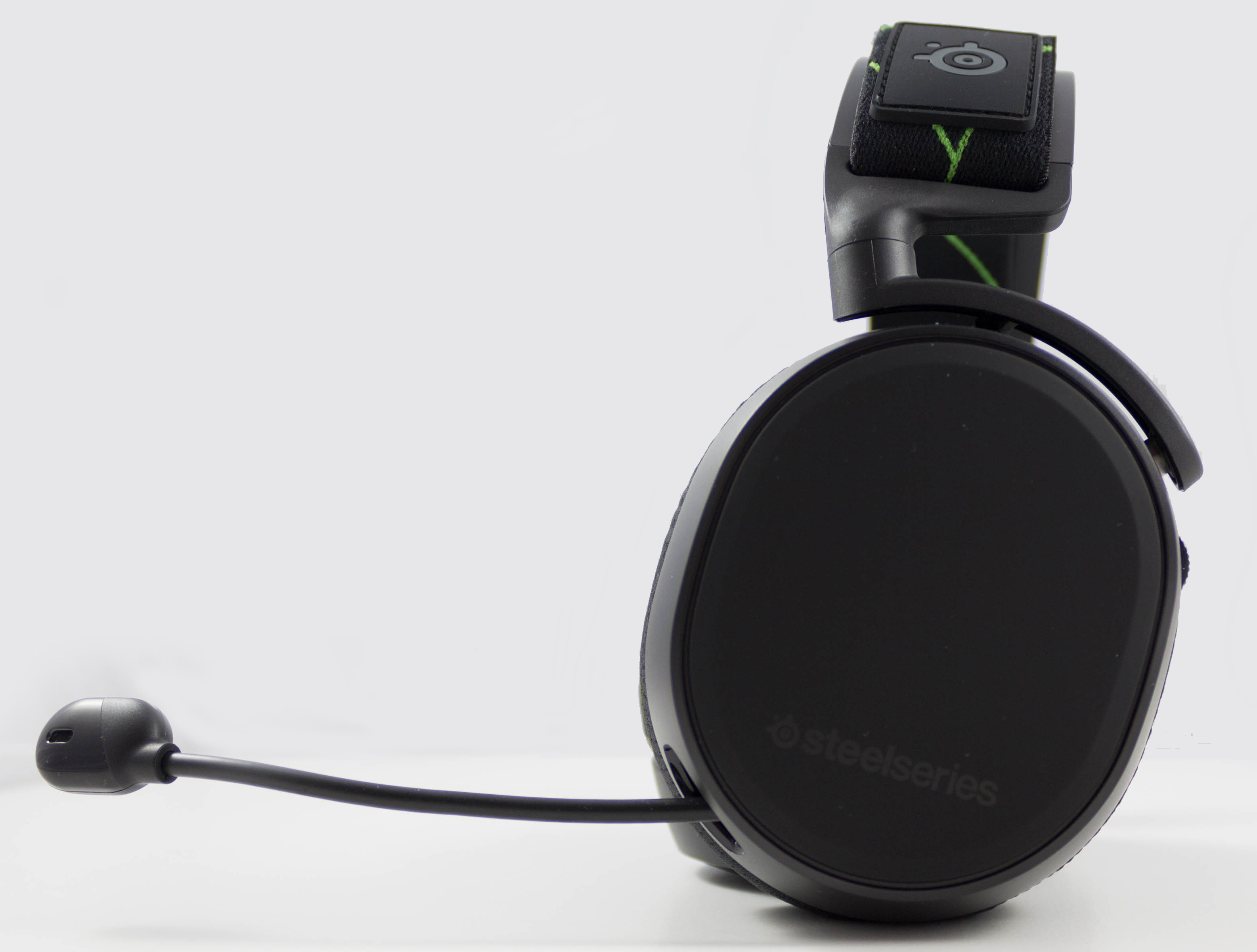 SteelSeries Launches The Arctis 9X Headset: X Marks The Xbox