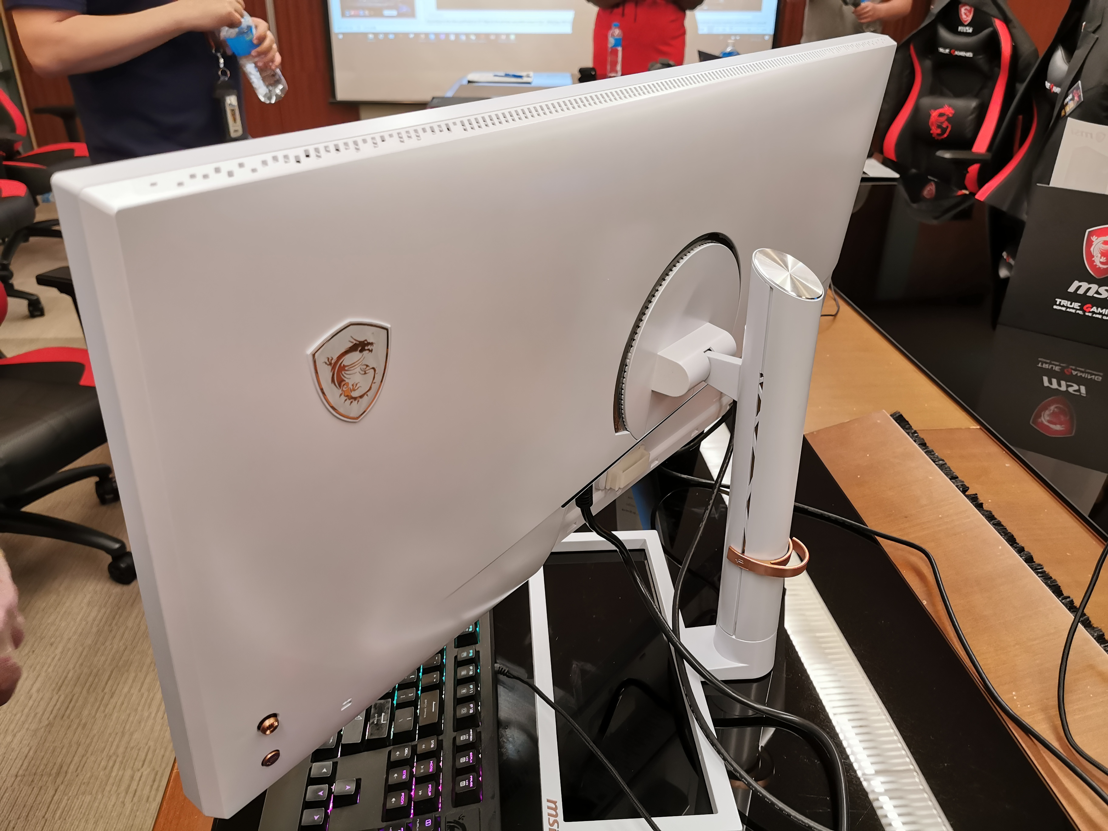MSI's New 5Kx2K 34-inch Monitor, with 98% DCI-P3: PS341WU