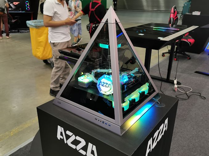 Azza's Pyramid Chassis: The Up-Side Down Case, But Also a Table?