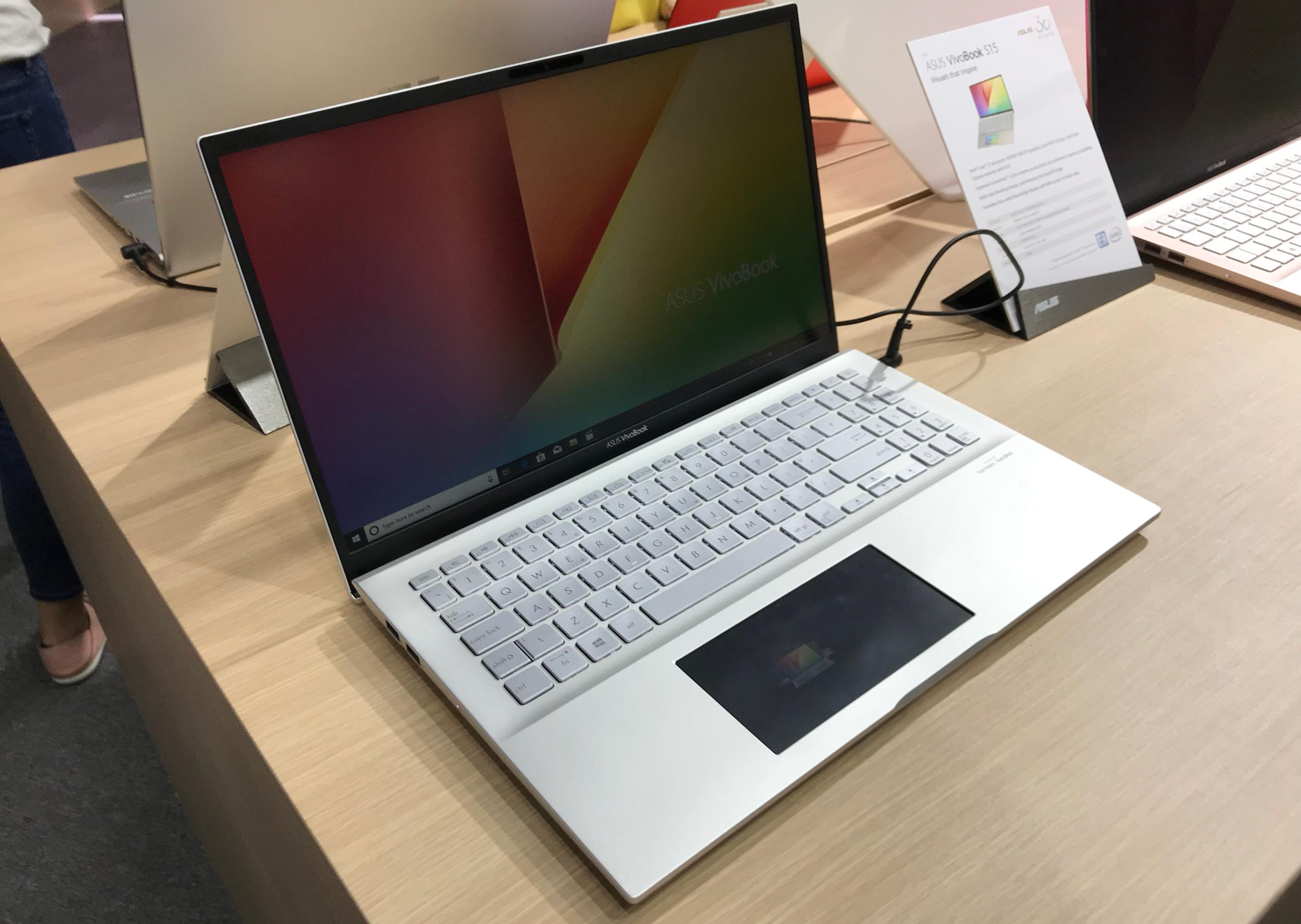 ASUS VivoBook S14 & S15 Get ScreenPad 2 0, Add Premium Features