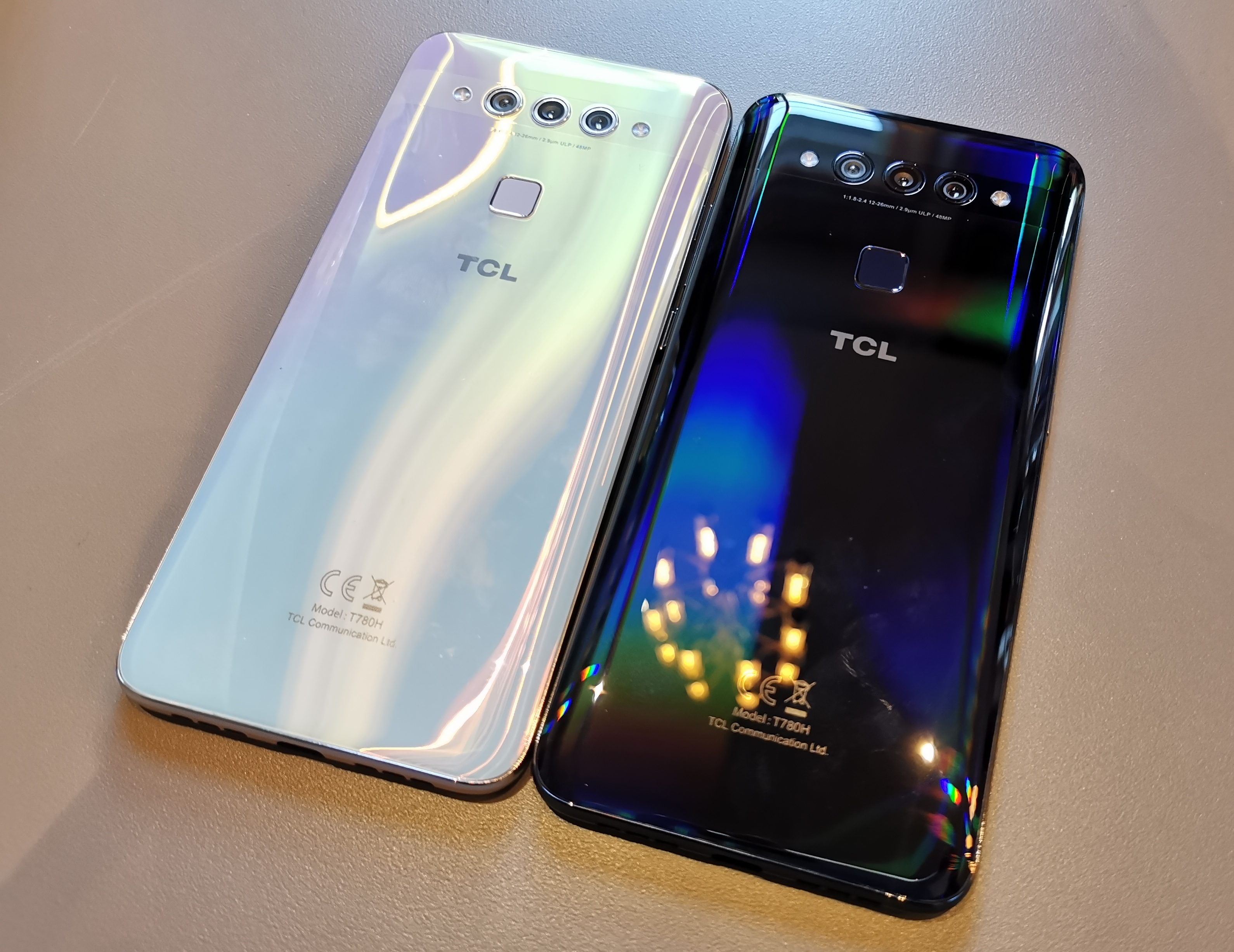 The TCL Plex Smartphone Hands-On: Dedicated Low-Light Camera