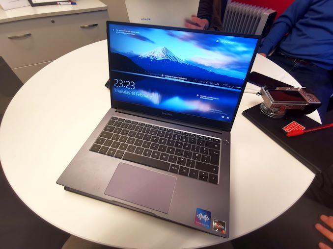أجهزة الكمبيوتر المحمولة Honor Magicbook مقاس 14 بوصة و 15 بوصة المزودة بوحدات AMD APU: Coming Worldwide 2