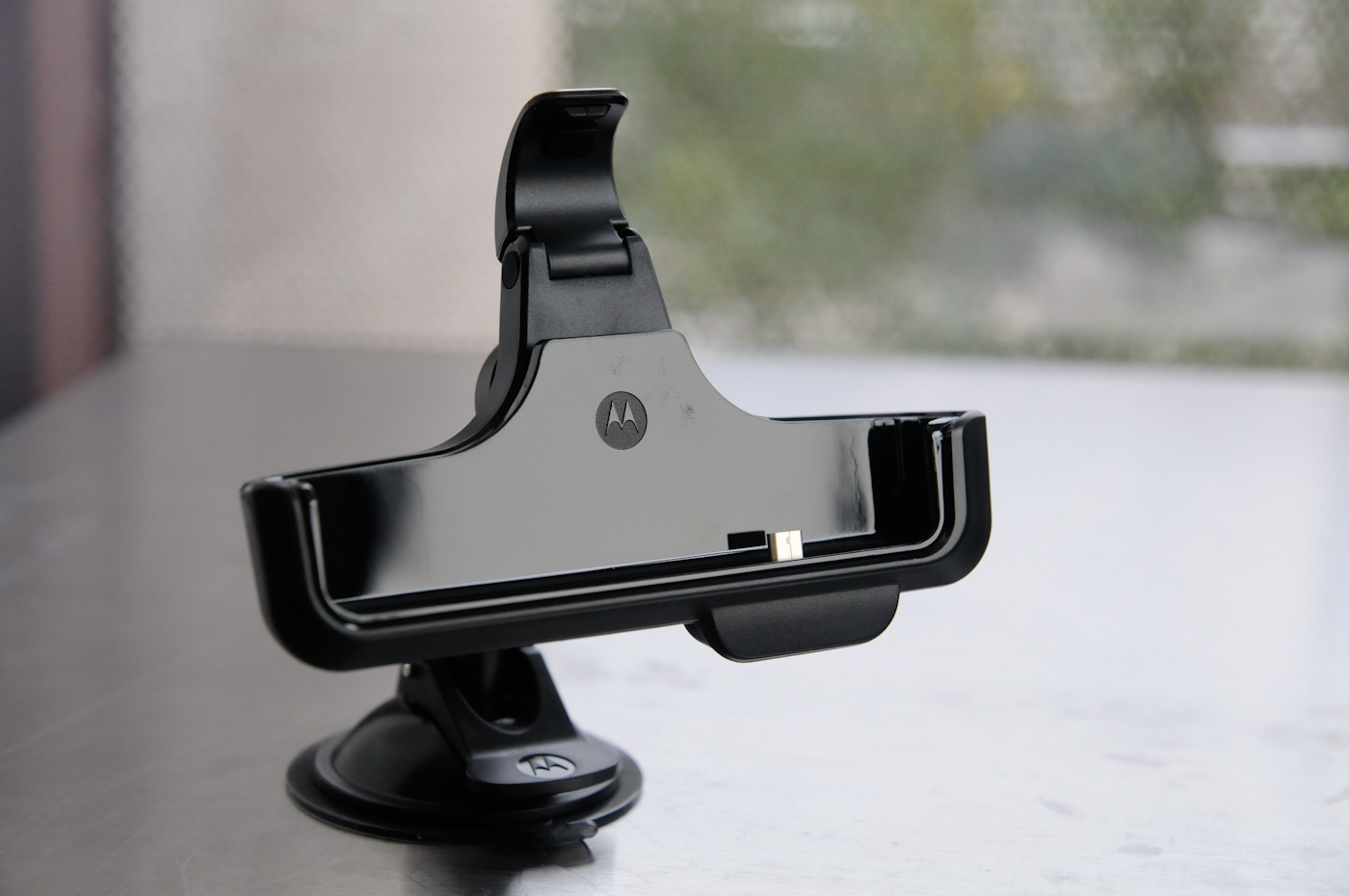 Droid 3 Car Dock - Motorola Droid 3 Review - Third Time\'s a Charm