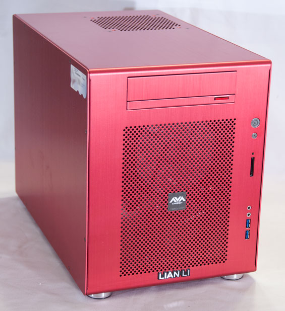 avadirect compact gaming pc small case big system. Black Bedroom Furniture Sets. Home Design Ideas