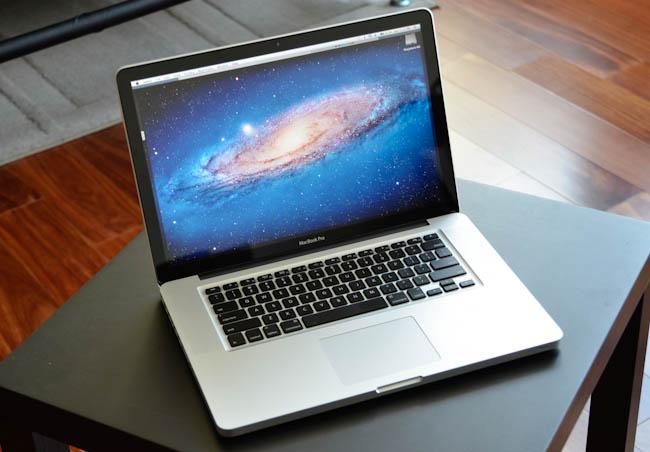 MacBook Pro 15.4 model Mid 2011 MC723 Option Full hàng US mới 99% cần ra đi - 1