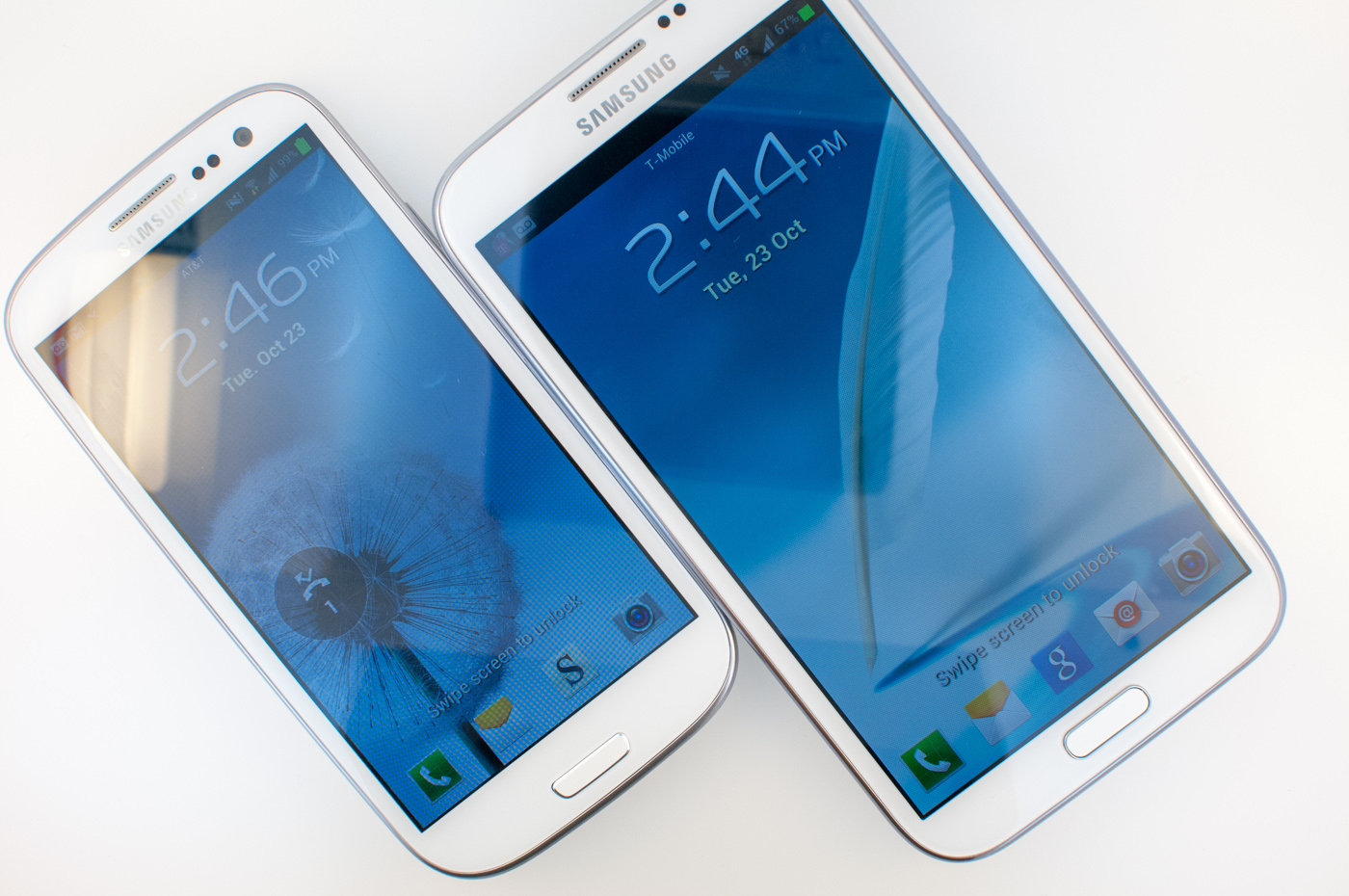 Galaxy note 2 left galaxy note right