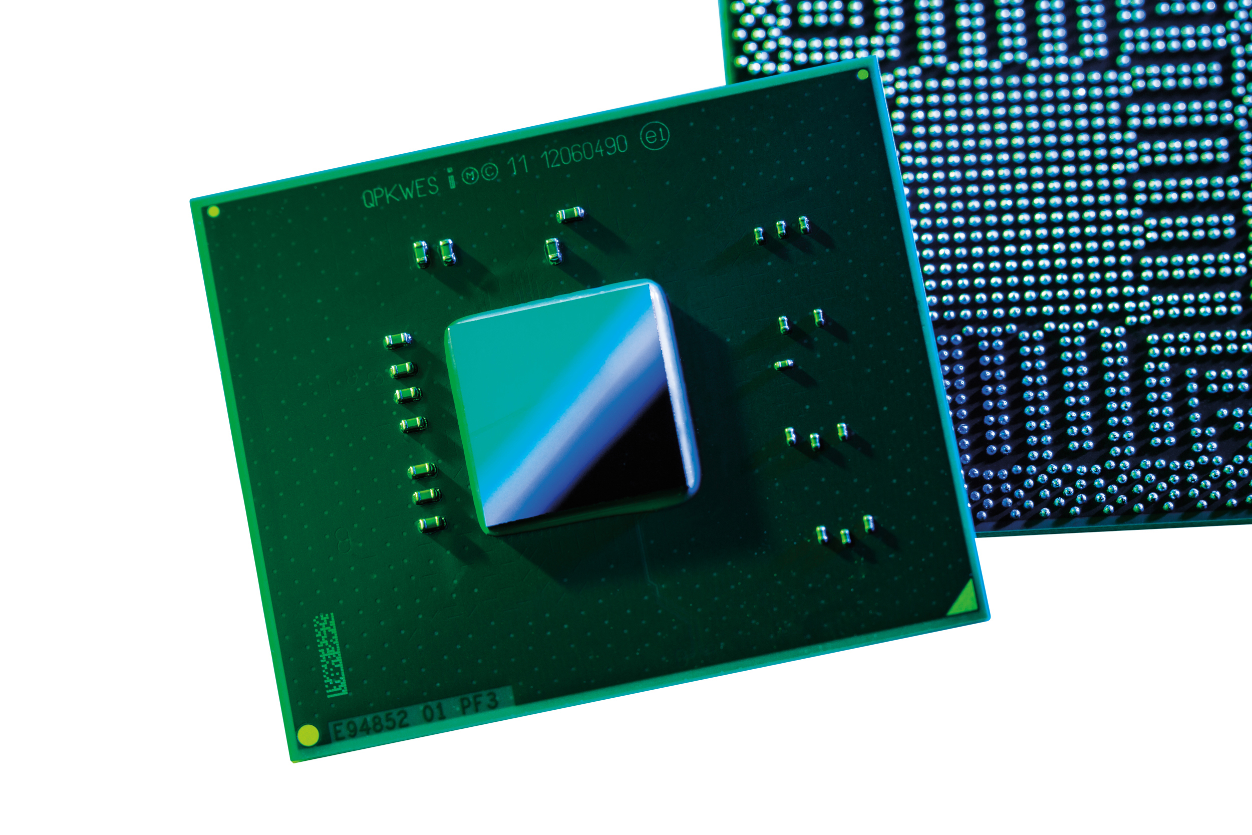 """Intel Launches """"Centerton"""" Atom S1200 Family, First Atom For Servers"""