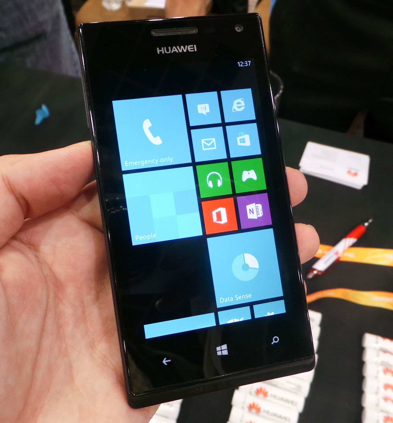Hands On with the Huawei Ascend W1, Ascend D2, and Ascend Mate