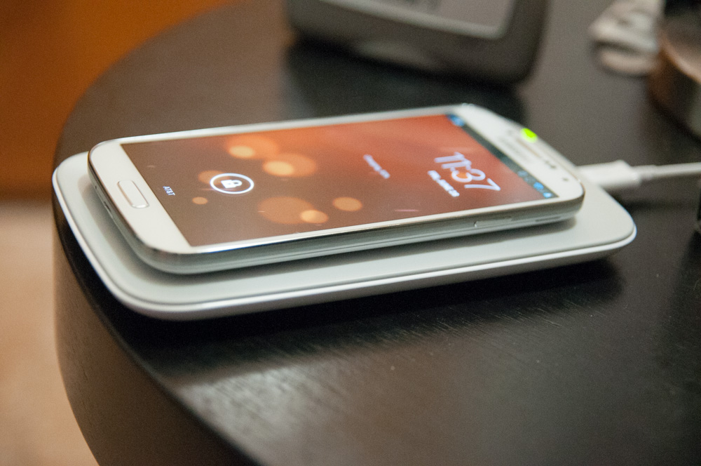 Samsung Galaxy S 4 Qi Wireless Charging Pad and Cover - Mini Review