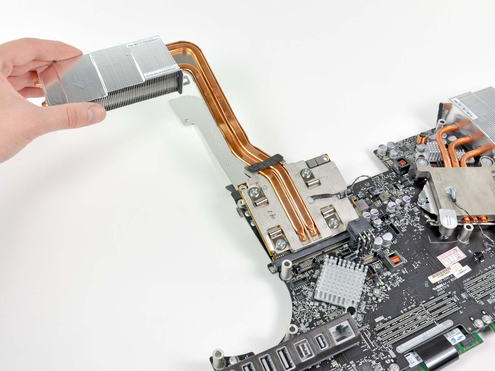 show  apple initiates video card replacement program for radeon hd m equipped mid imacs
