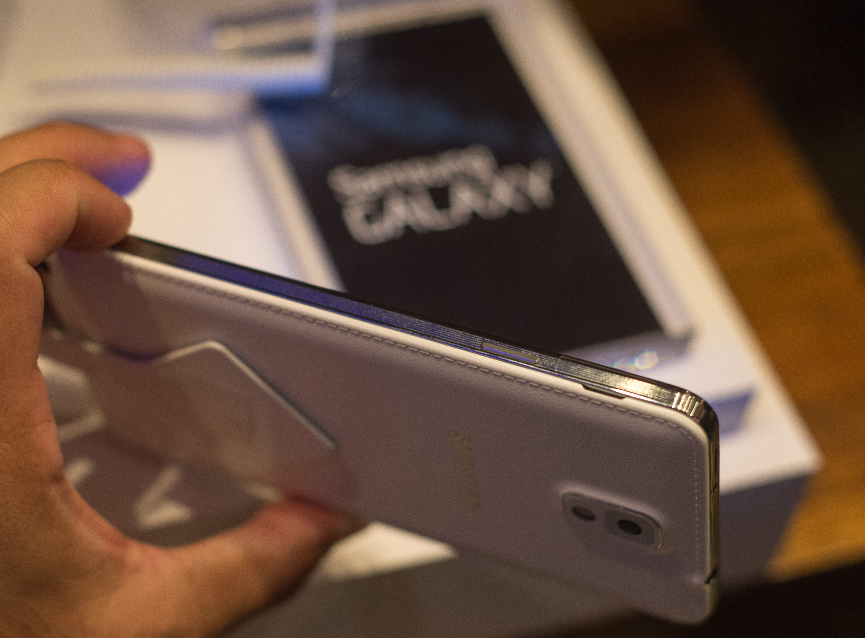 How to use scrapbook on galaxy note 3 - The Combination Of The Two Definitely Help Make The Note 3 Feel Less Of A Slippery Mess But Those Hoping For A Truly Premium Feel Will Probably Continue To