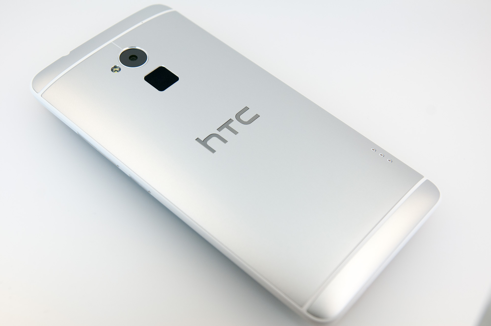 That Fingerprint Scanner - HTC One max Review - It's Huge