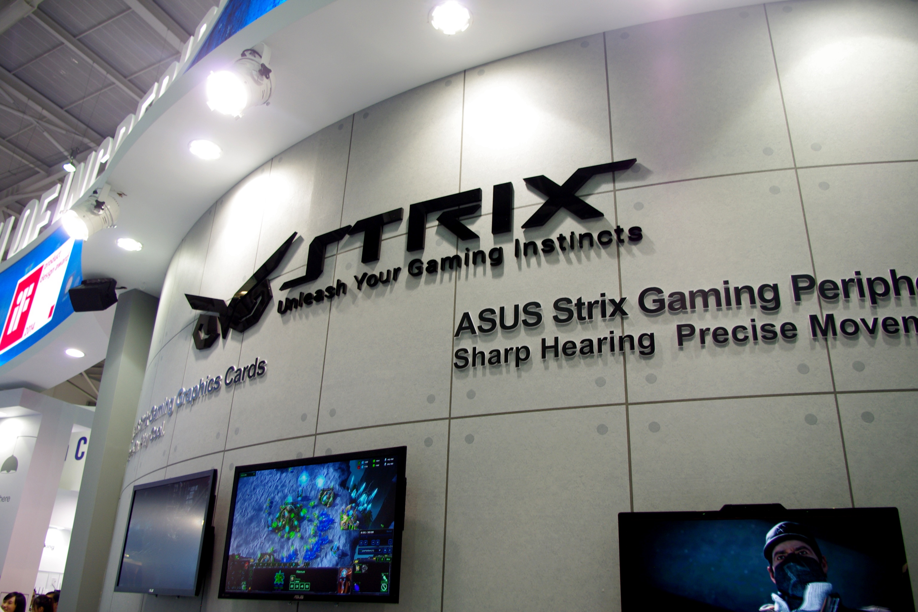 Graphics: Strix and Ares III - Computex 2014: The ASUS Booth Tour