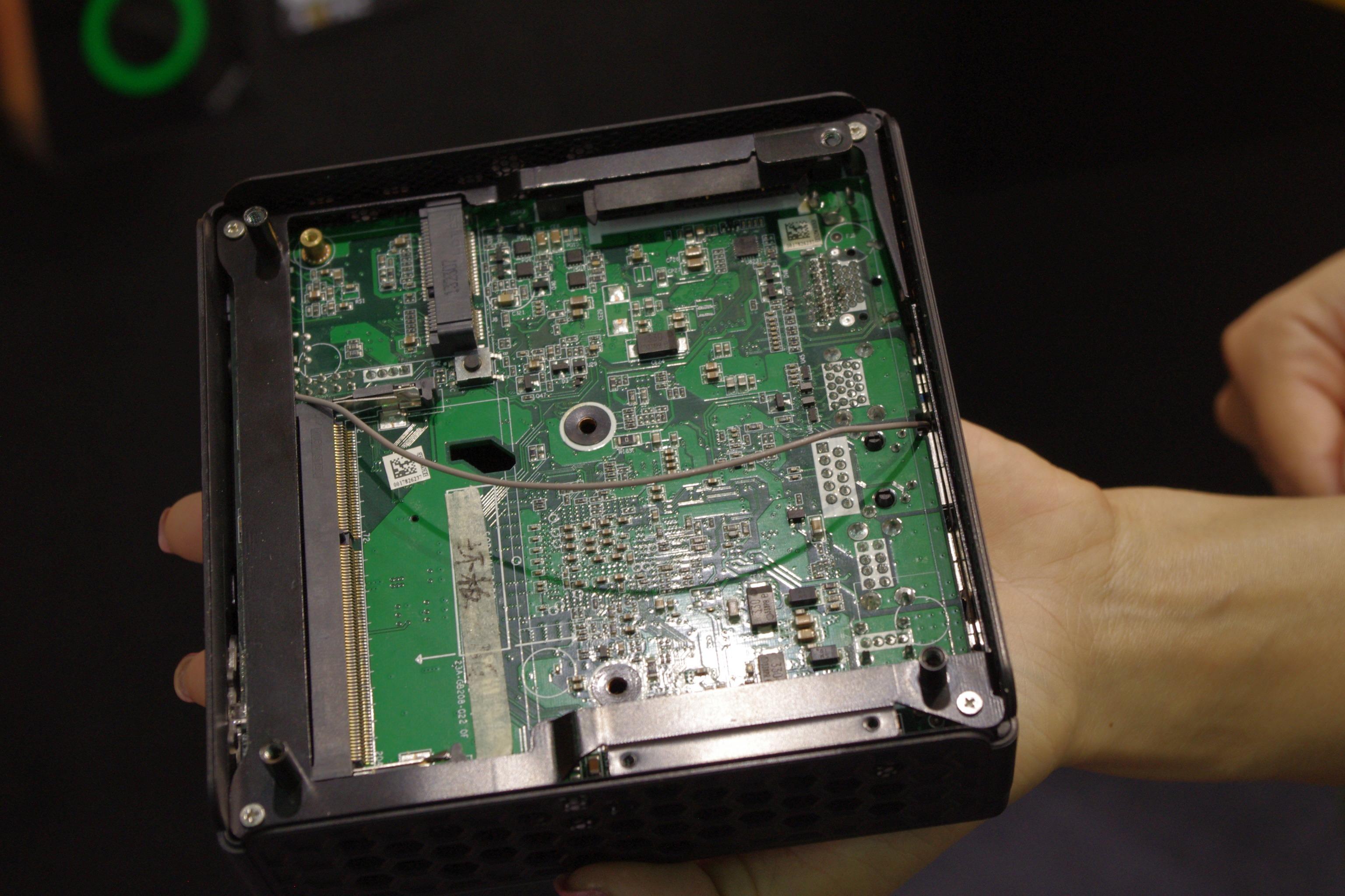 Computex 2014: Zotac's ZBOX Sphere and AMD Fanless Mini-PC