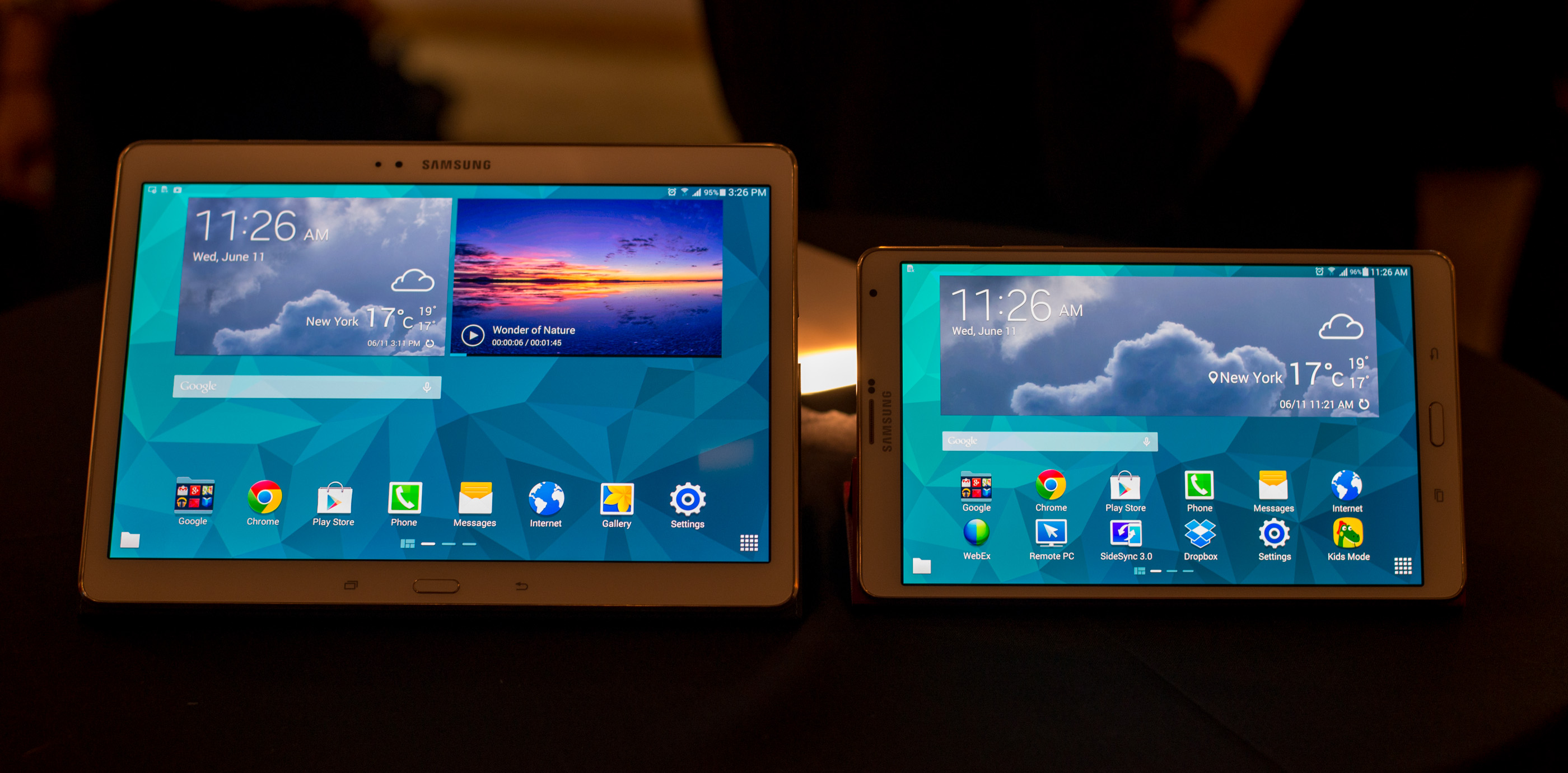 samsung 39 s galaxy tab s 10 5 8 4 hands on with samsung 39 s. Black Bedroom Furniture Sets. Home Design Ideas