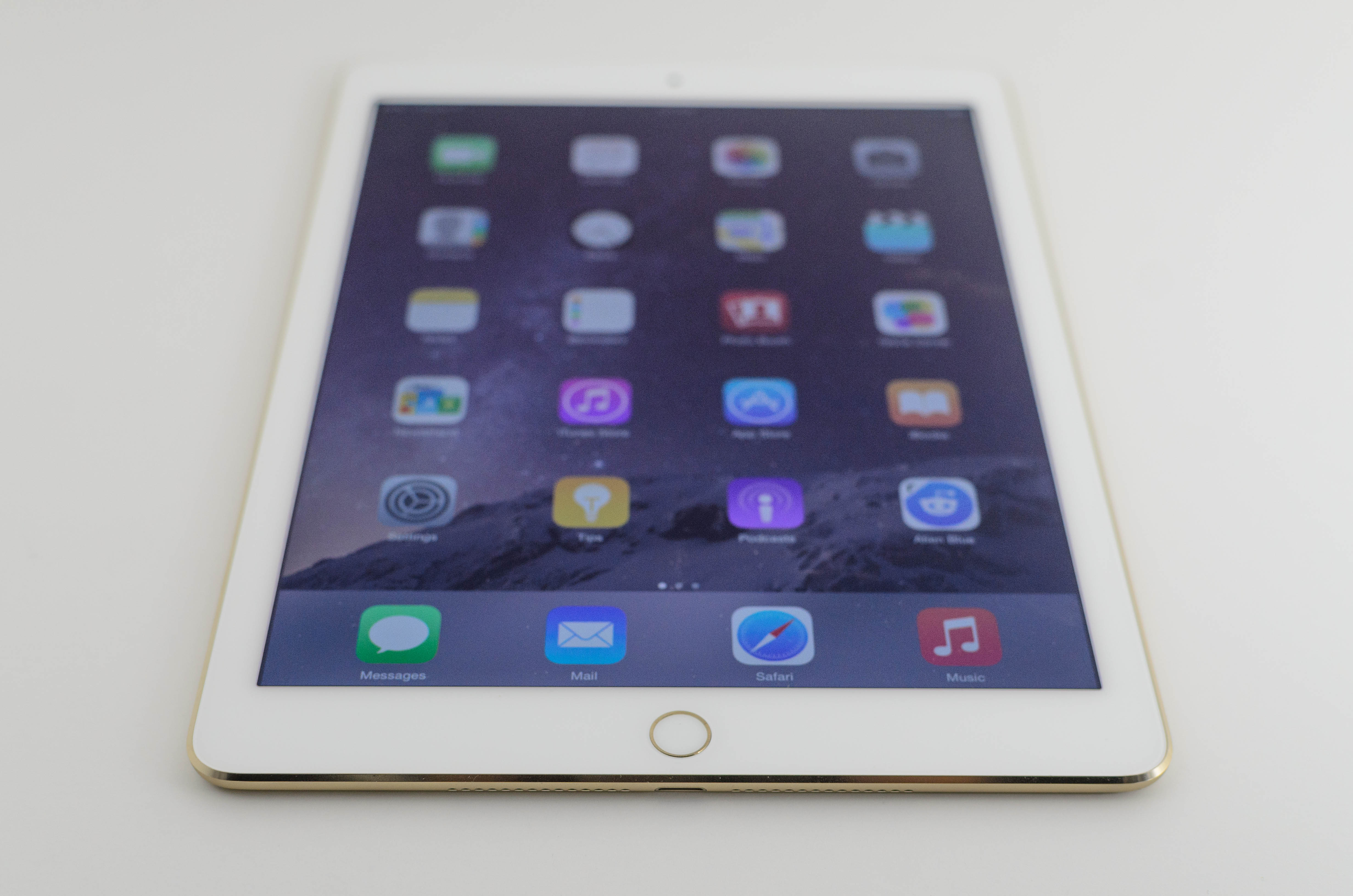 the apple ipad air 2 review. Black Bedroom Furniture Sets. Home Design Ideas