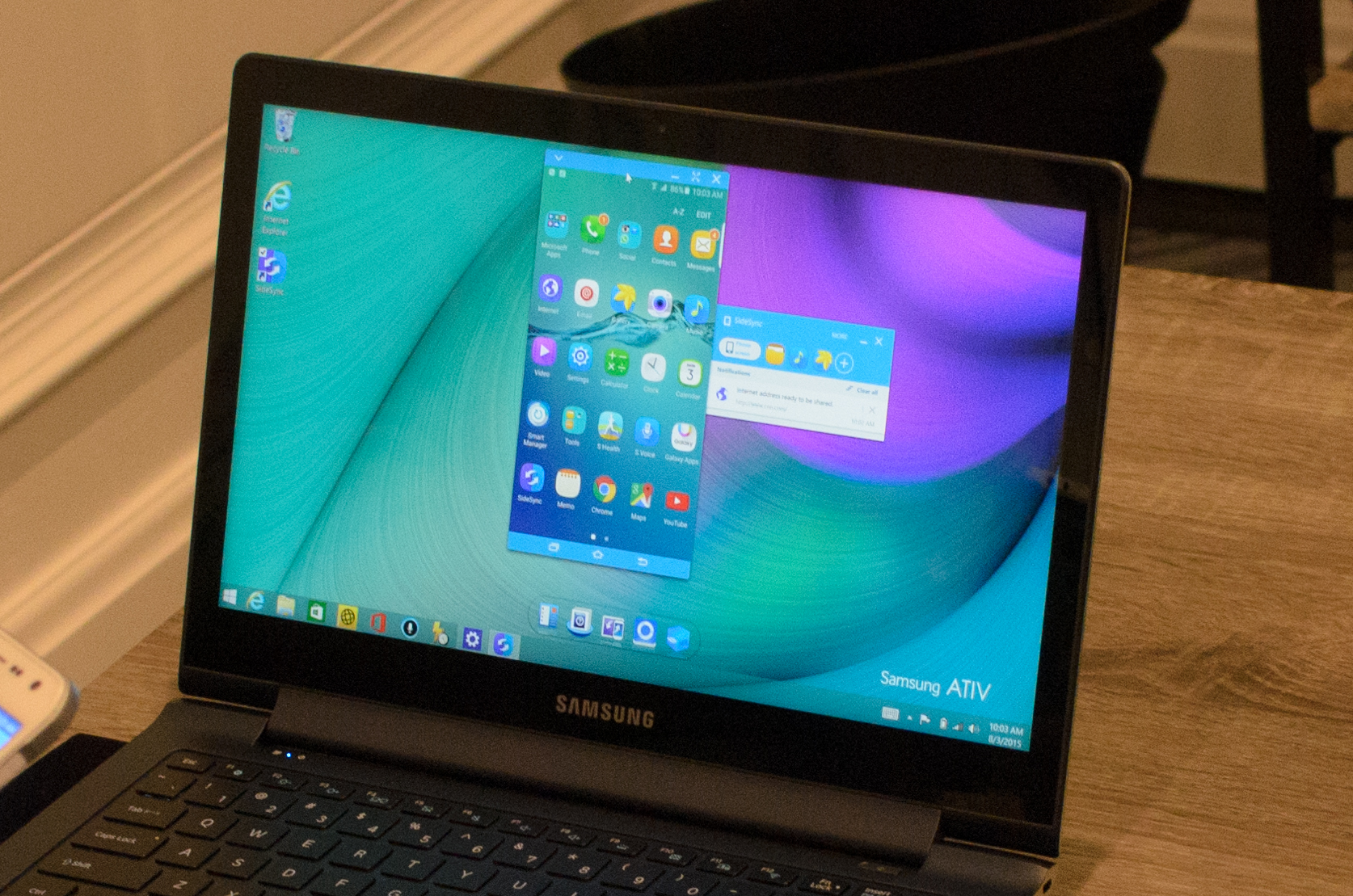 Software, Samsung Pay, and Accessories - Hands On With the