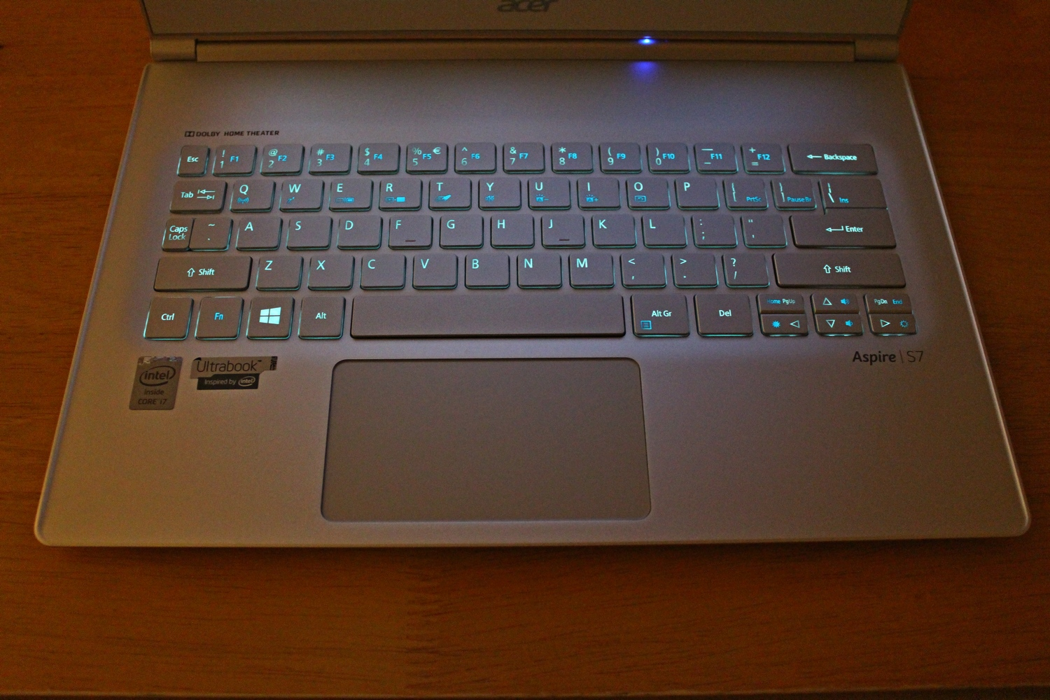 Design - The Acer Aspire S7-393 Review: Broadwell Comes To