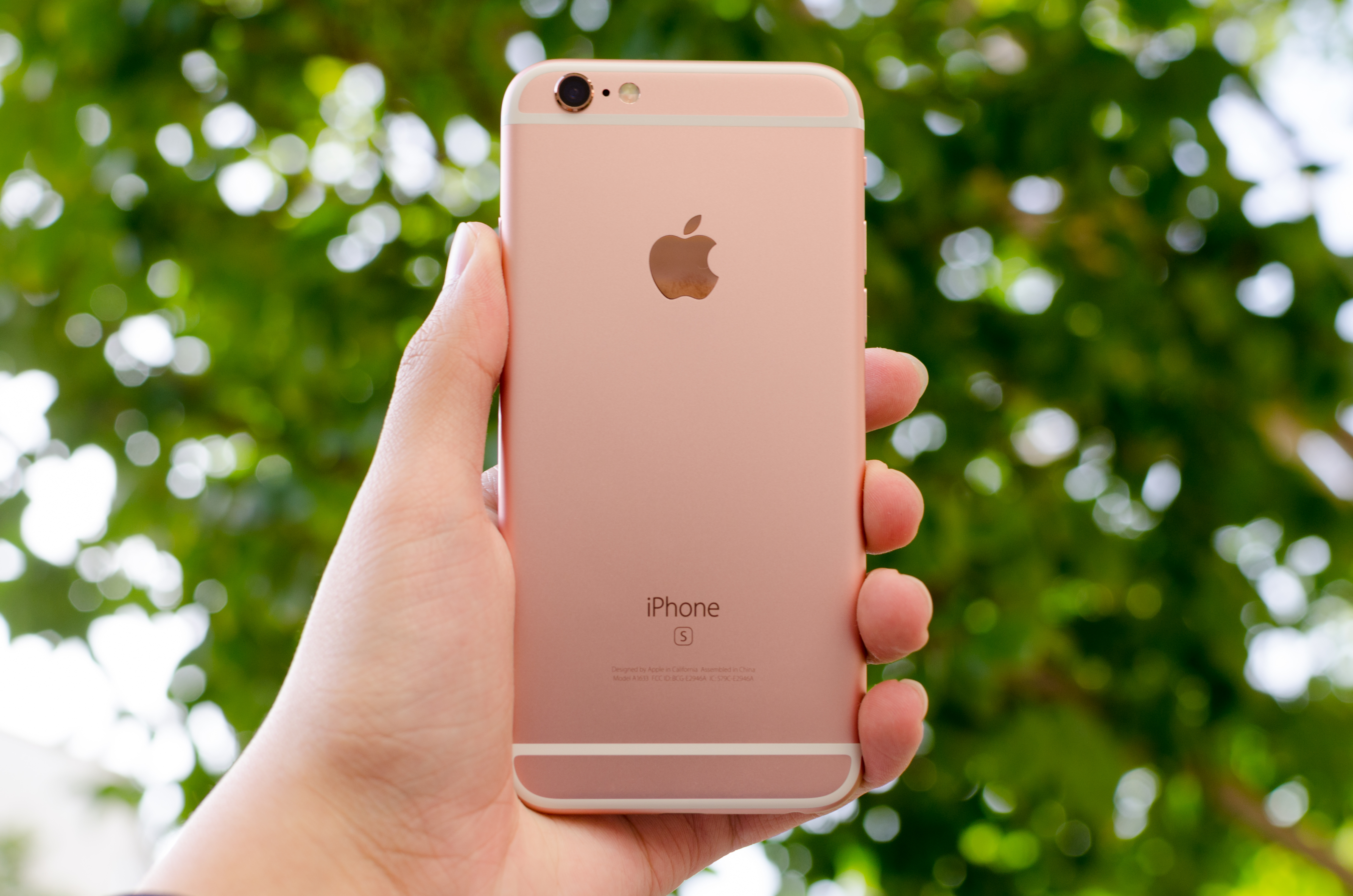iphone 6s review words the apple iphone 6s and iphone 6s plus review 11498