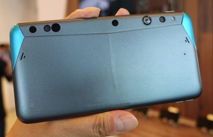 Intel and Google Equip Smartphones with 3D Cameras and