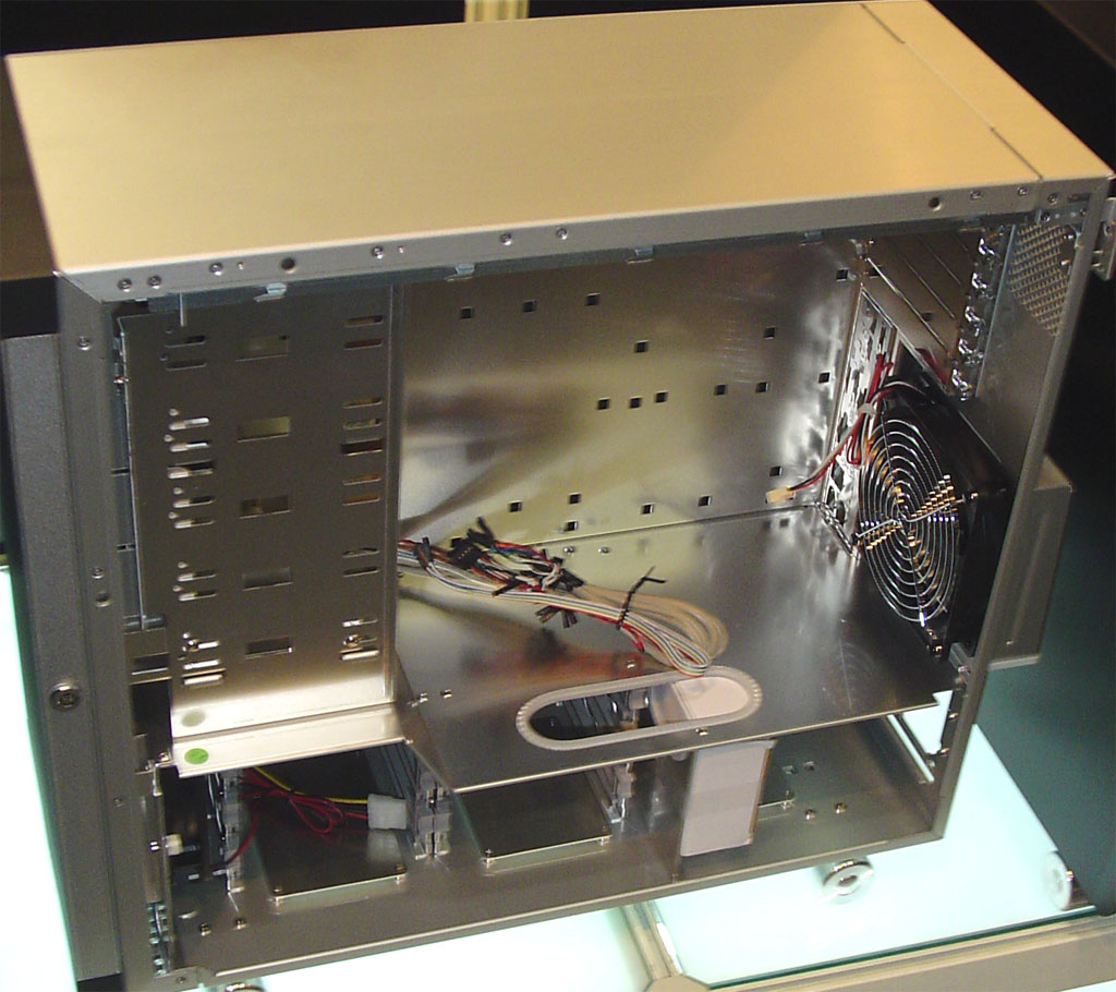 Computex 2004: Cases And Cooling