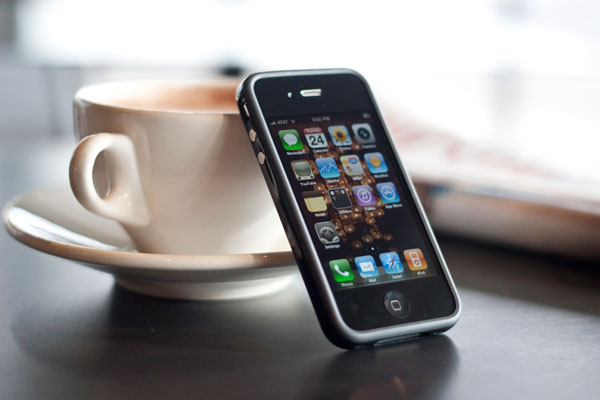 Apple s iPhone 4  Thoroughly Reviewed 17695bdc75