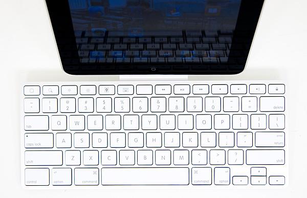the keyboard using it apple s ipad keyboard dock reviewed rh anandtech com iPad Keyboard Charging iPad Keyboard Desktop